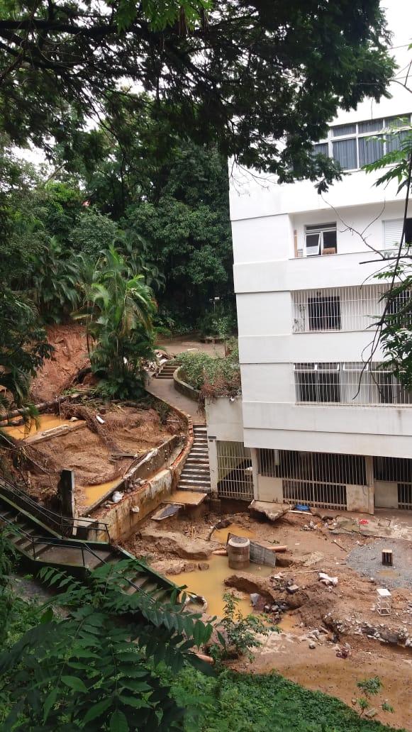Danos provocados pelas chuvas devem ser indenizados pela prefeitura