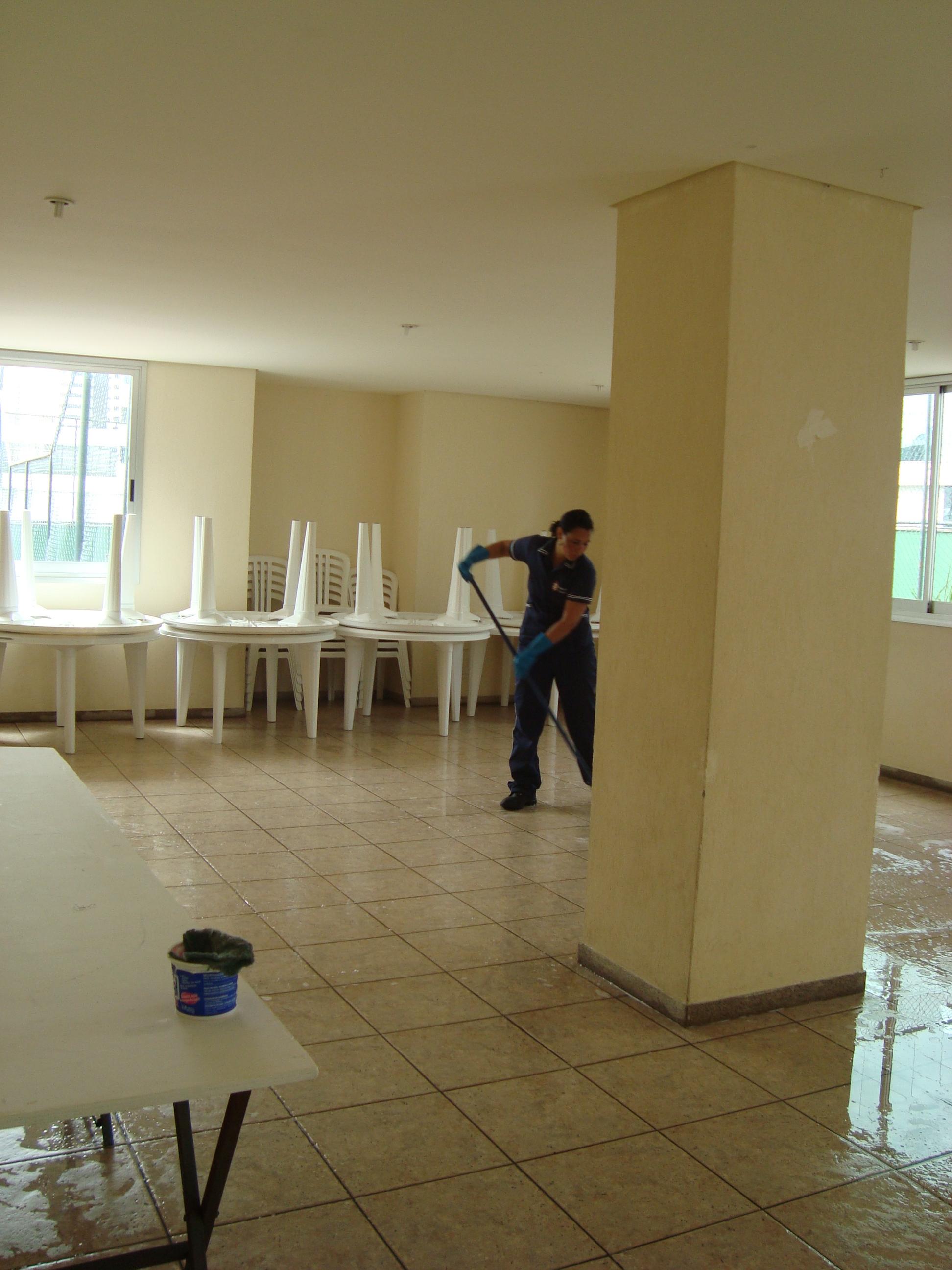 Limpeza é ponto crucial no combate ao vírus