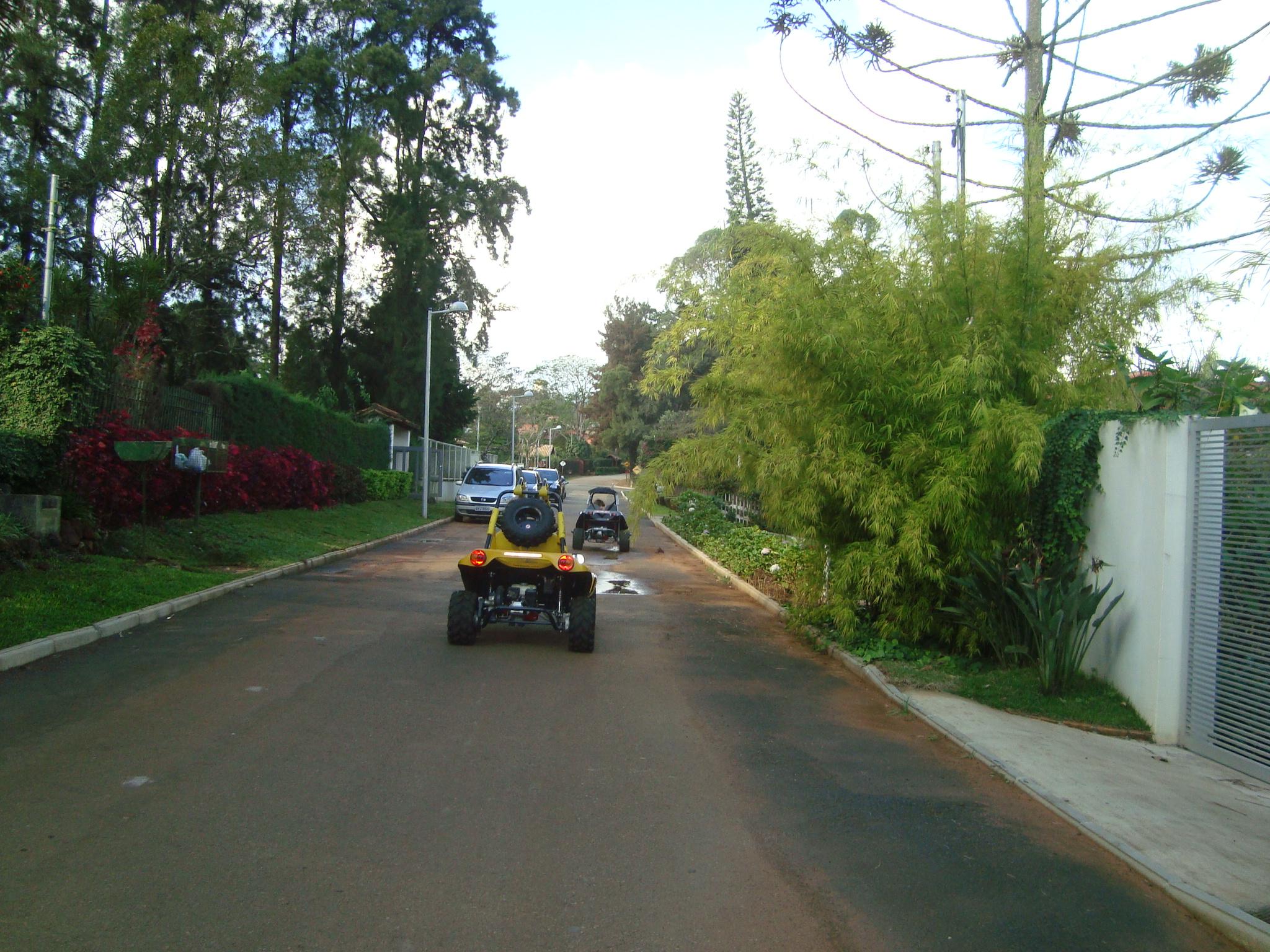 Leis de trânsito são válidas dentro dos condomínios