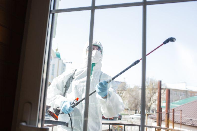 Sanitização-de-Lojas-evite-que-seu-estabelecimento-torne-se-um-foco-do-coronavírus