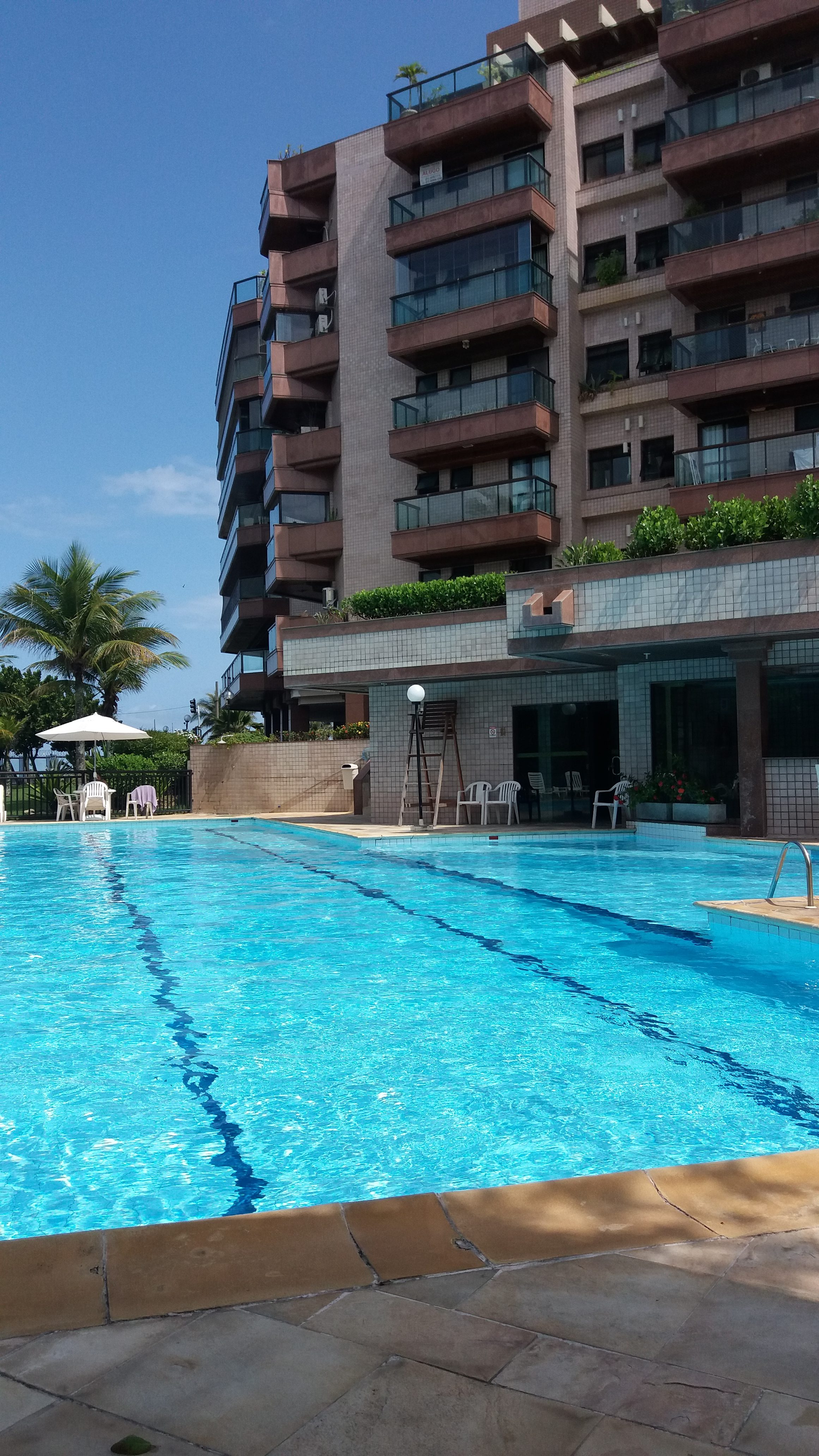 Verão com piscinas seguras