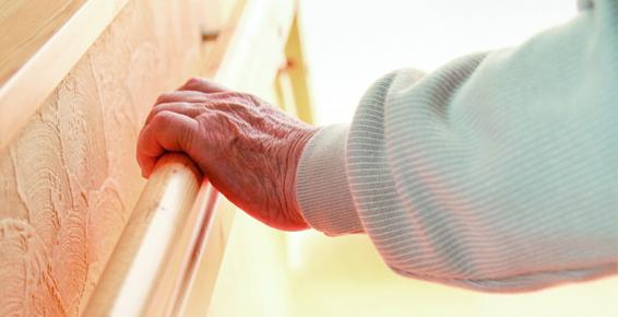 Simples atitudes podem diminuir riscos de acidentes com idosos
