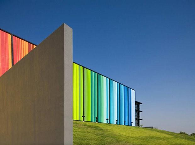 Tintas ganham espaço como revestimento de fachadas