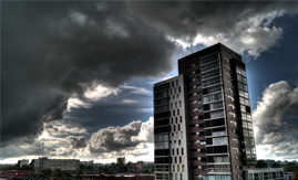 Condomínios redobram atenção à rede elétrica na temporada de chuvas