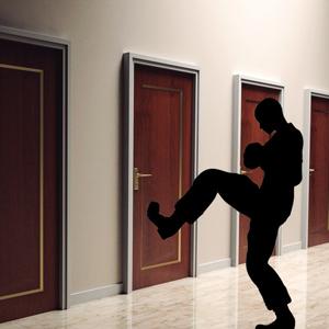 O síndico pode entrar ou permitir a entrada na unidade privativa sem a autorização do proprietário?